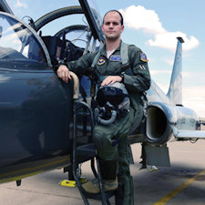 WA alumnus completing fight pilot training